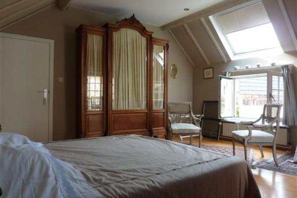 chambres d 39 h tes bruges charm 39 n bruges. Black Bedroom Furniture Sets. Home Design Ideas