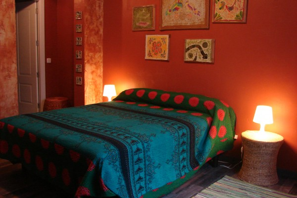 bed breakfast in madrid artistic bed and breakfast. Black Bedroom Furniture Sets. Home Design Ideas
