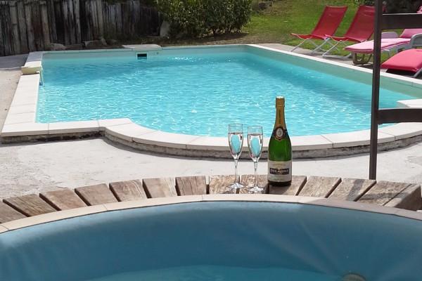 g te bouc bel air aix en provence chalet wellness l 39 emiline swimming pool zwembad. Black Bedroom Furniture Sets. Home Design Ideas