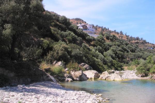 Azuurblauwe Slaapkamer : ... bergen, een heuse rivier en de ...